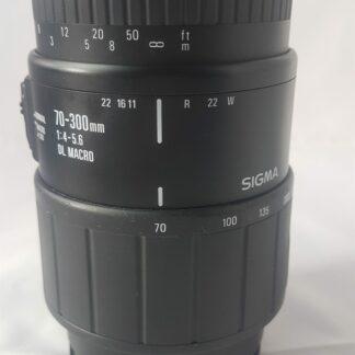 SIGMA 70-300mm F4-5.6 DL Macro zoom lens for Sony Alpha A DSLR Minolta A SL